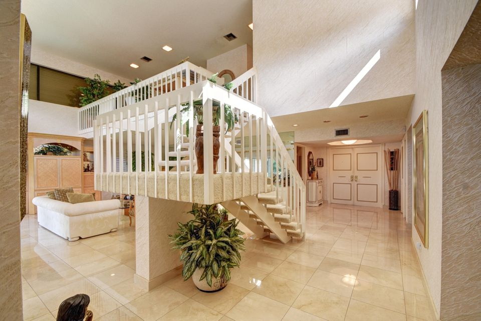 Alternate view of staircase & Foyer
