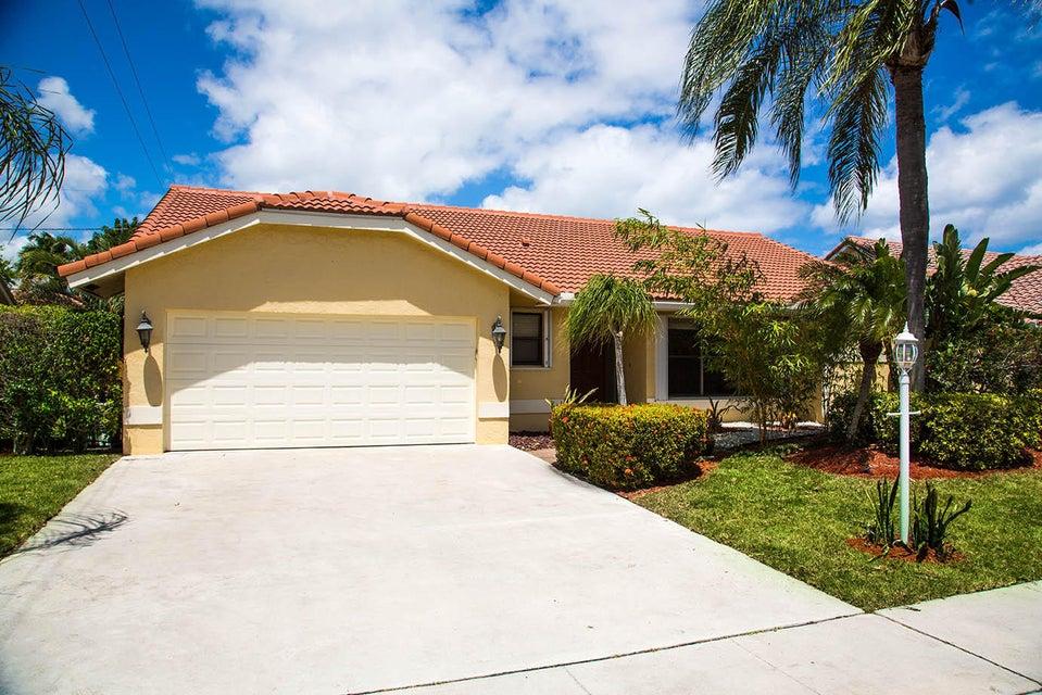 375 Apache Lane, Boca Raton, FL 33487