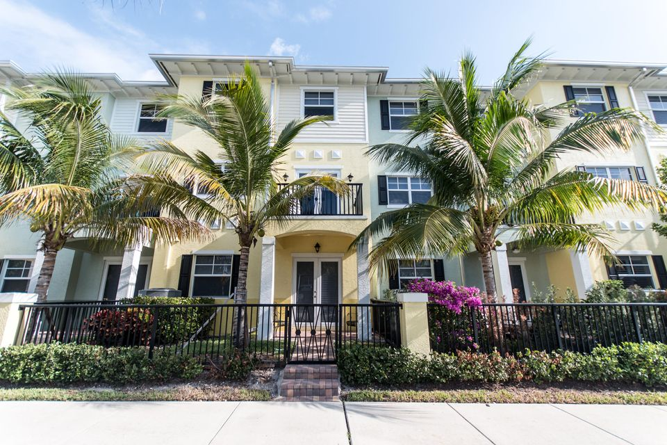 236 S Latitude Circle, Delray Beach, FL 33483