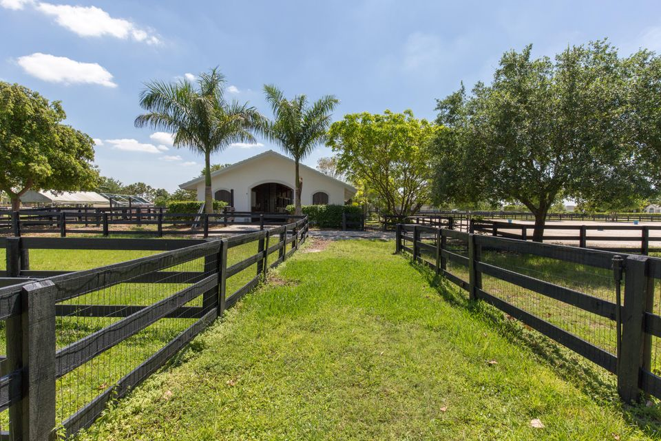 2040 Gray Mare Way, Wellington, FL 33414