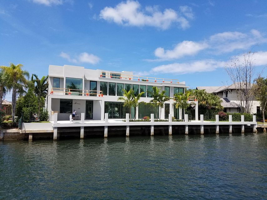 Home for sale in Comtemorary/modern Boca Raton Florida