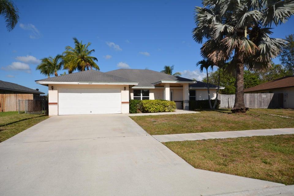 159 Sunflower Circle  Royal Palm Beach, FL 33411