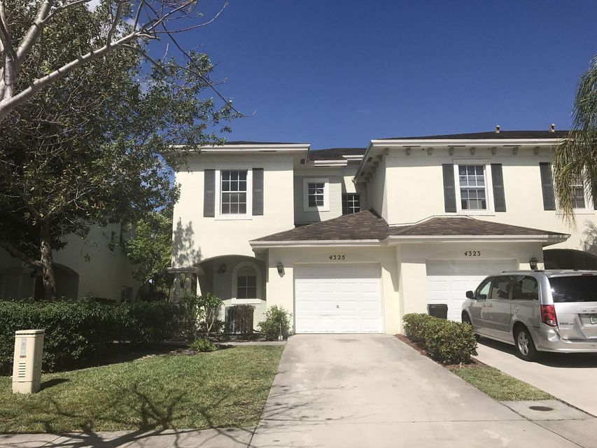4325 Emerald Vis, Lake Worth, FL 33461