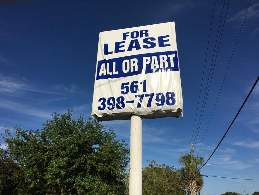 7405 Lake Worth Road, Lake Worth, FL 33467