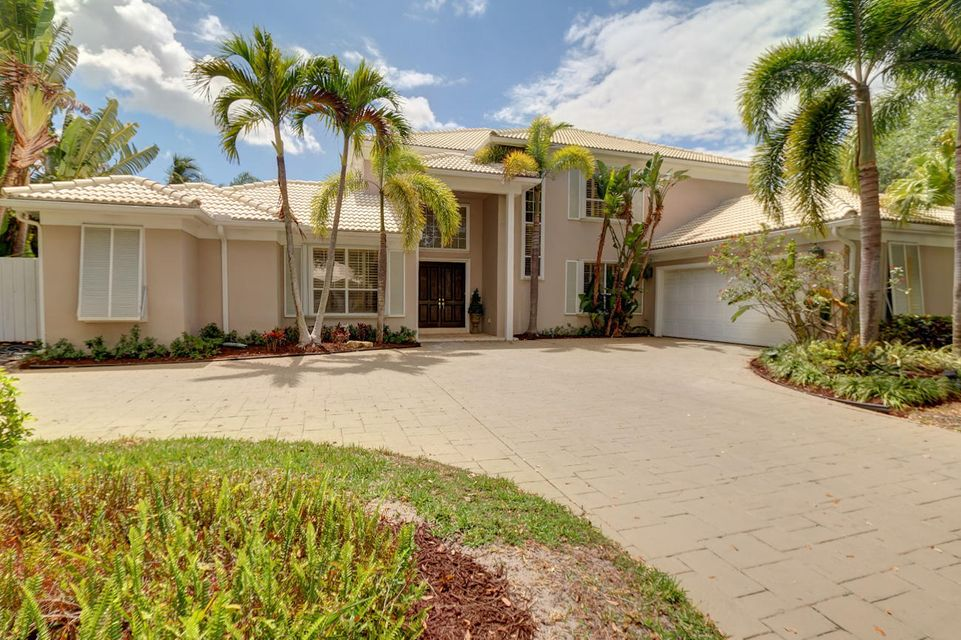 14514 Cypress Island Circle , Palm Beach Gardens FL 33410 is listed for sale as MLS Listing RX-10325256 32 photos