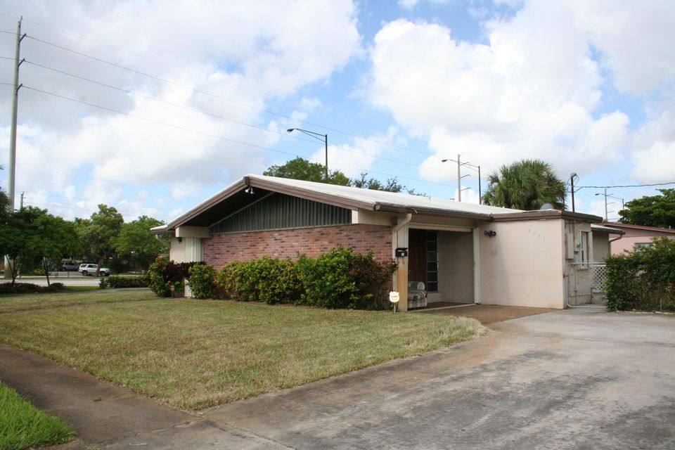 3101 NW 43rd Avenue, Lauderdale Lakes, FL 33319