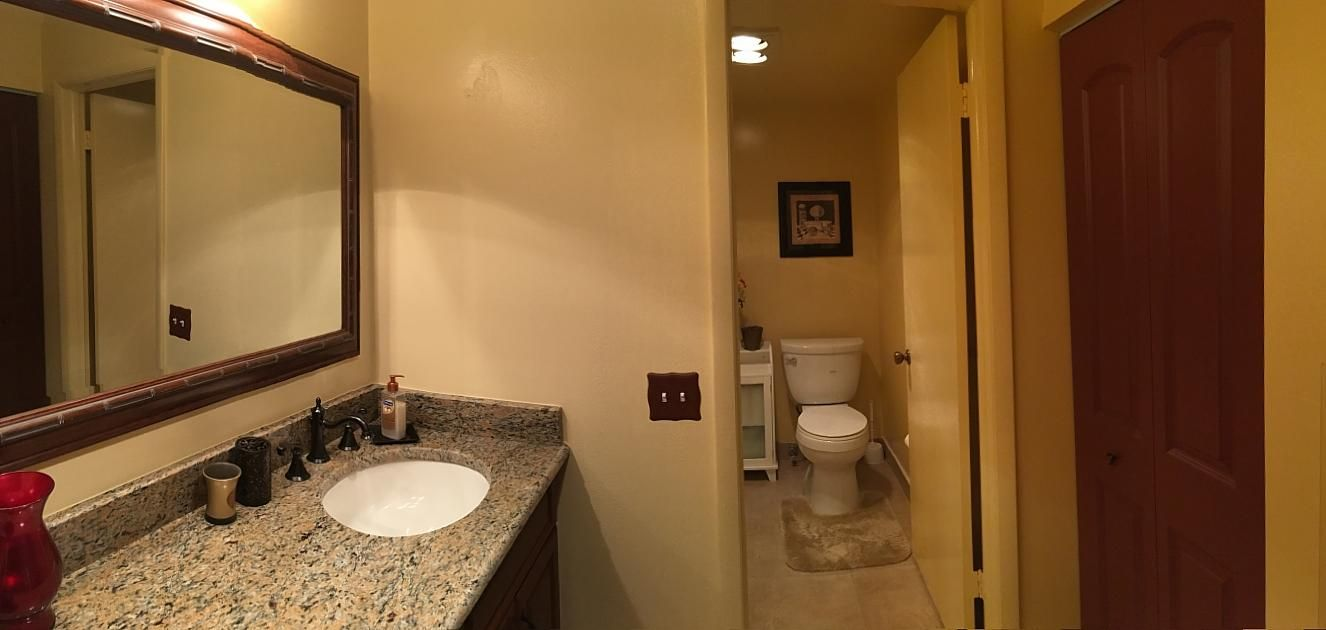 14Master Bathroom3