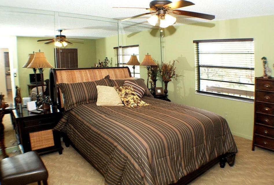 17Guest Bedroom2