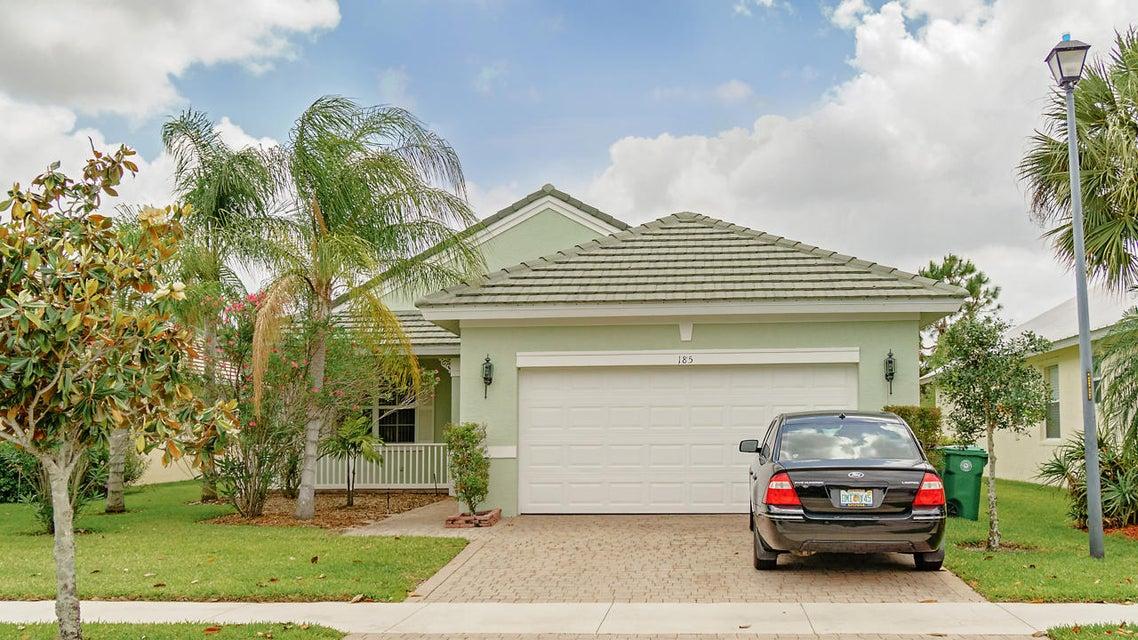 185 NW Willow Grove Avenue, Port Saint Lucie, FL 34986