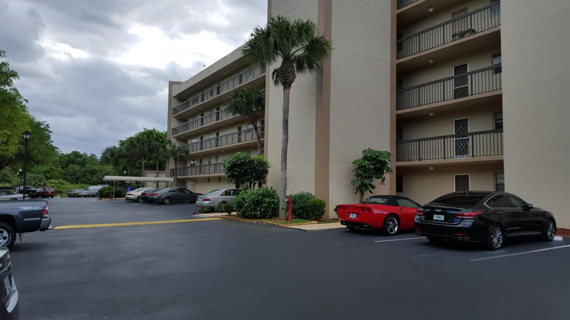 198 NW 67th Street 302, Boca Raton, FL 33487