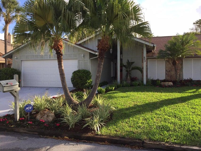 905 Sandy Oaks Drive, Jupiter, FL 33477