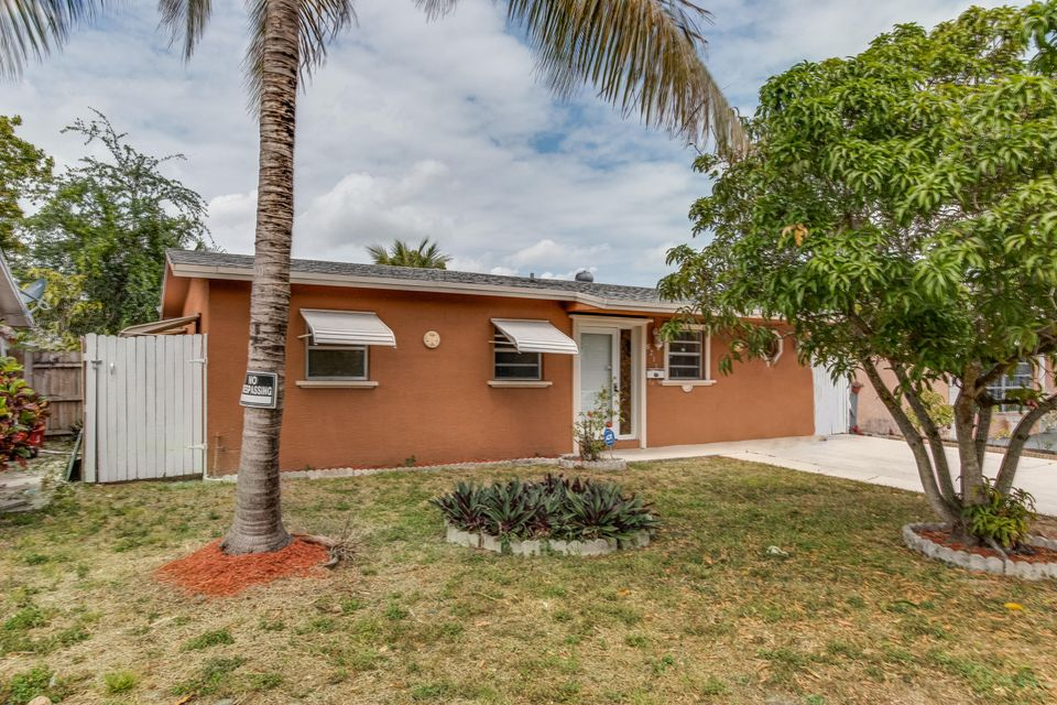 6211 SW 9th Place, North Lauderdale, FL 33068