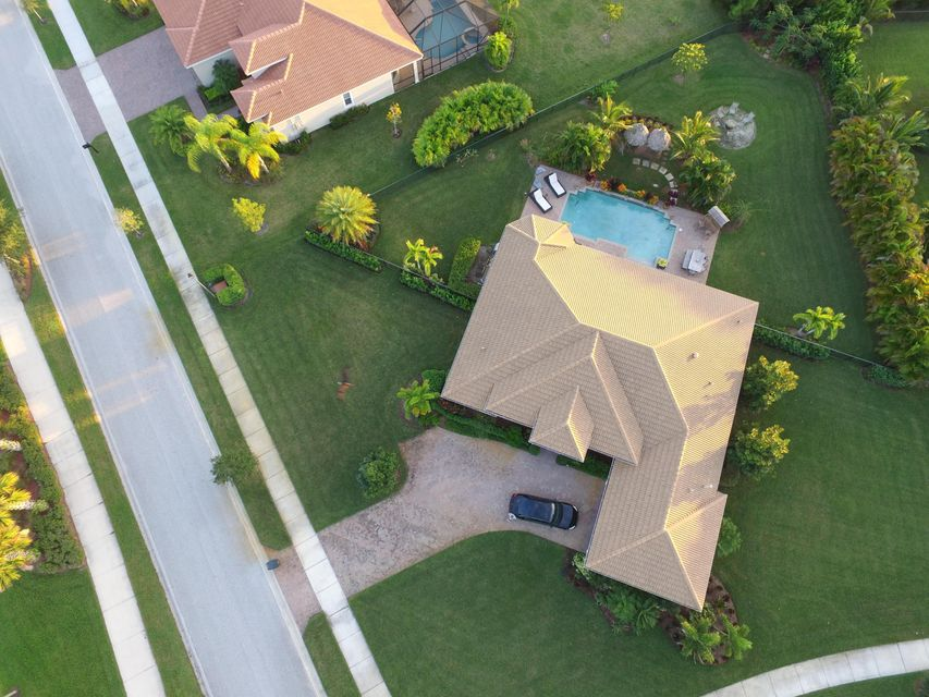 Additional photo for property listing at 1012 SE Tres Belle Circle  Stuart, Florida 34997 United States