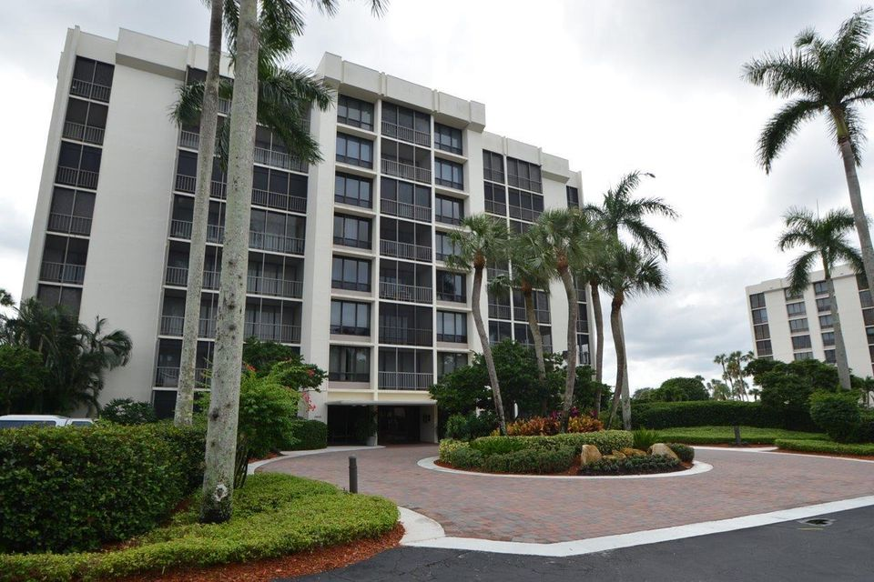 Co-op / Condominio por un Alquiler en 6845 Willow Wood Drive 6845 Willow Wood Drive Boca Raton, Florida 33434 Estados Unidos