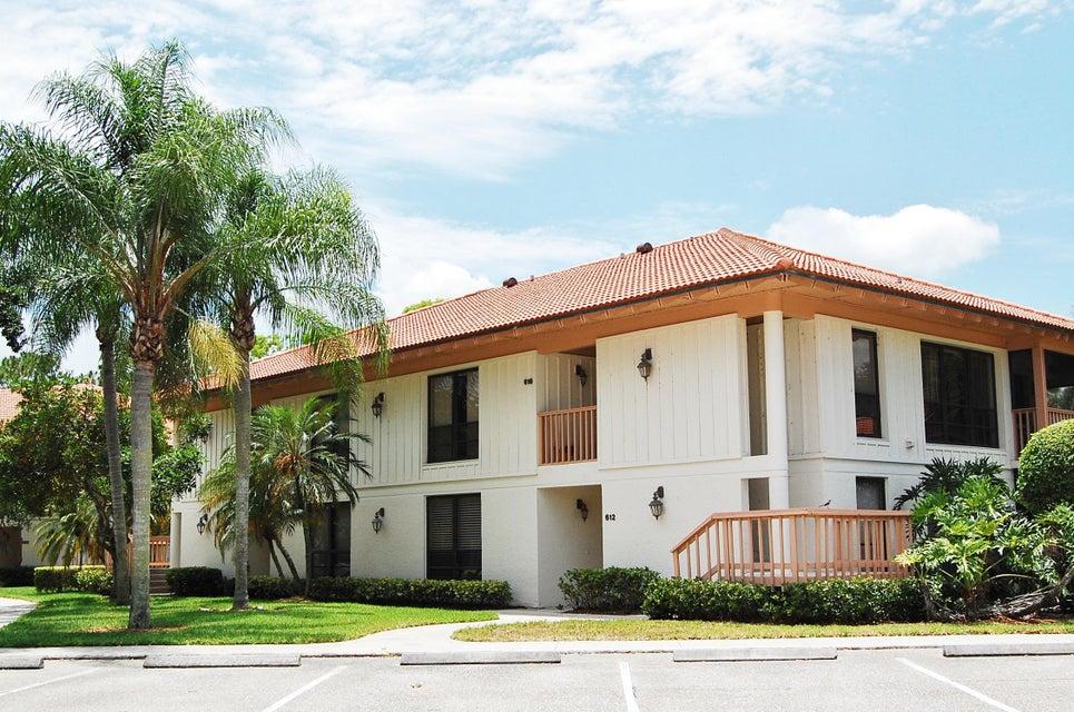 612 Brackenwood Cove, Palm Beach Gardens, FL 33418
