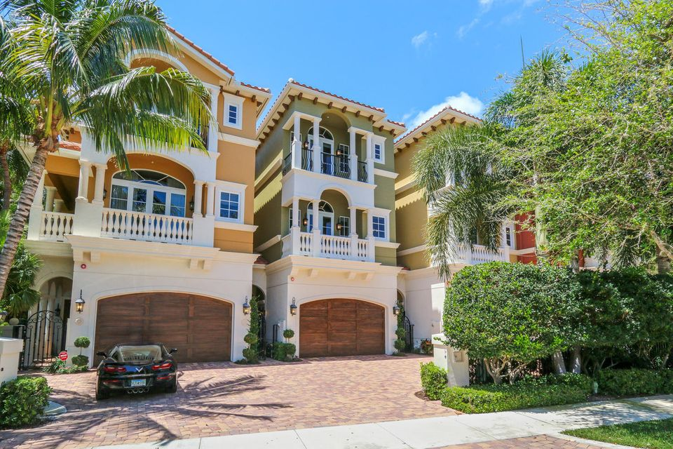 Townhouse for Sale at 449 NE 19th Avenue Deerfield Beach, Florida 33441 United States