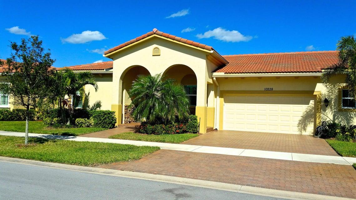 10228 SW Reggiani Road, Port Saint Lucie, FL 34986