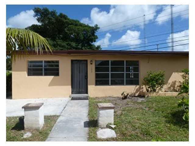 133 Edmund Road, West Park, FL 33023