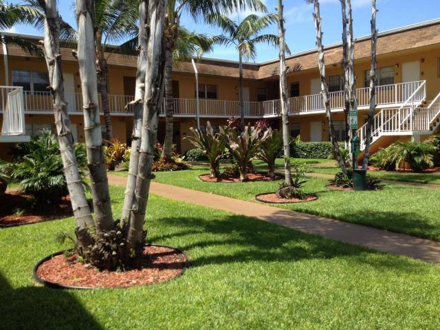 200 Croton Avenue 103, Lantana, FL 33462
