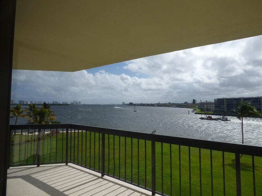 115 Lakeshore Drive 447, North Palm Beach, FL 33408