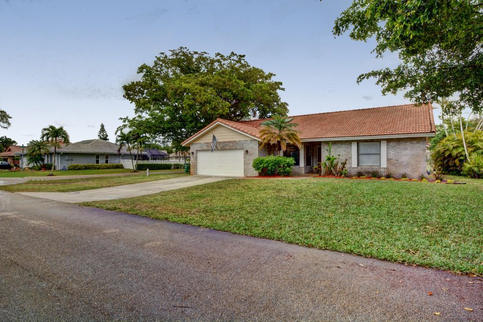 4033 NW 73rd Avenue, Coral Springs, FL 33065