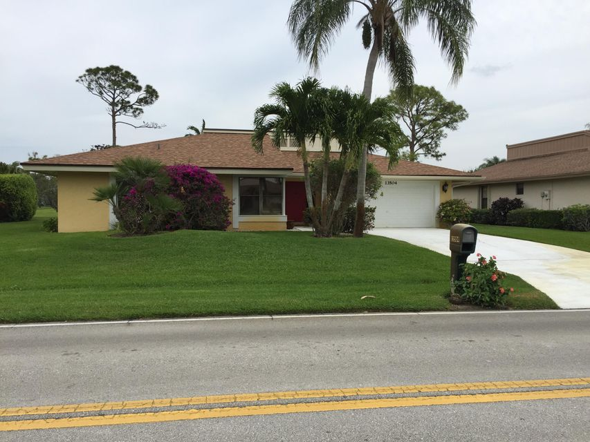 13504 Crosspointe Drive, Palm Beach Gardens, FL 33418
