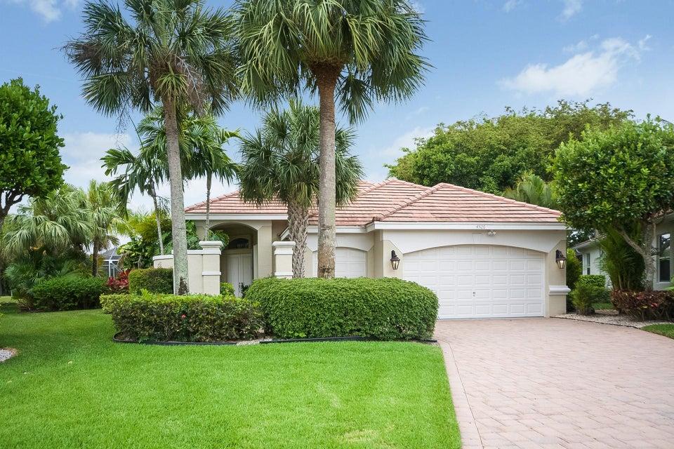 واحد منزل الأسرة للـ Sale في 4526 Hazleton Lane 4526 Hazleton Lane Wellington, Florida 33449 United States