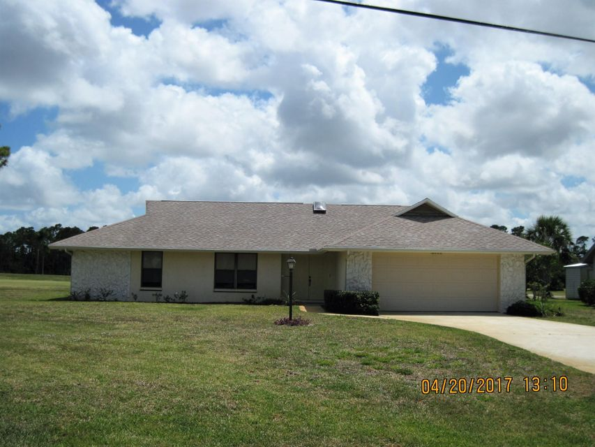 5111 Echo Pines Circle E, Fort Pierce, FL 34951