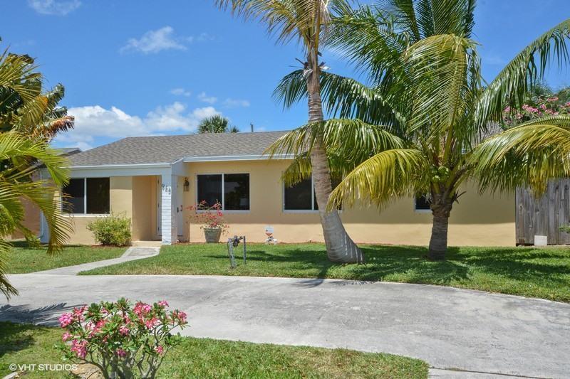 943 Macy Street, West Palm Beach, FL 33405