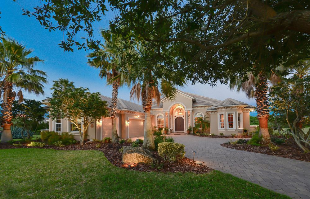 Maison unifamiliale pour l Vente à 3 Oak View Circle E Palm Coast, Florida 32137 États-Unis