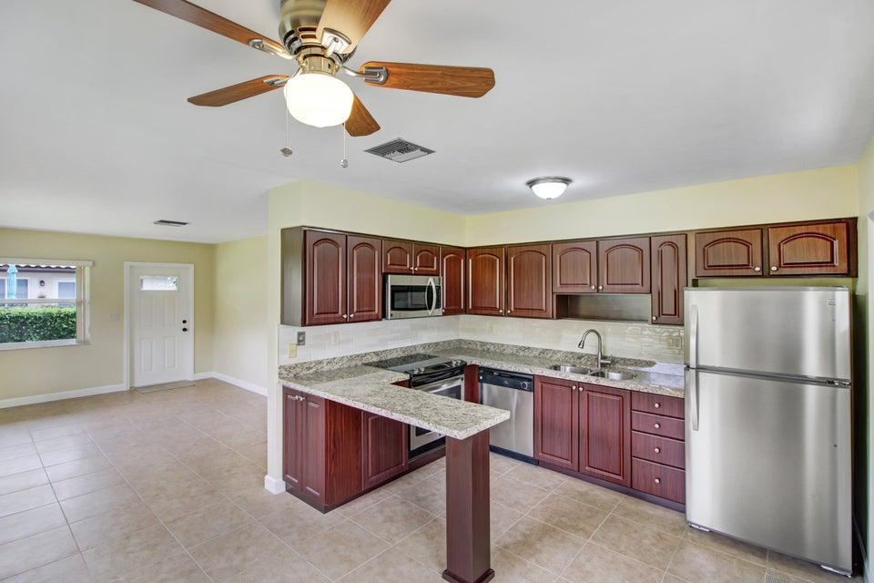 685 Glouchester Street N, Boca Raton, FL 33487
