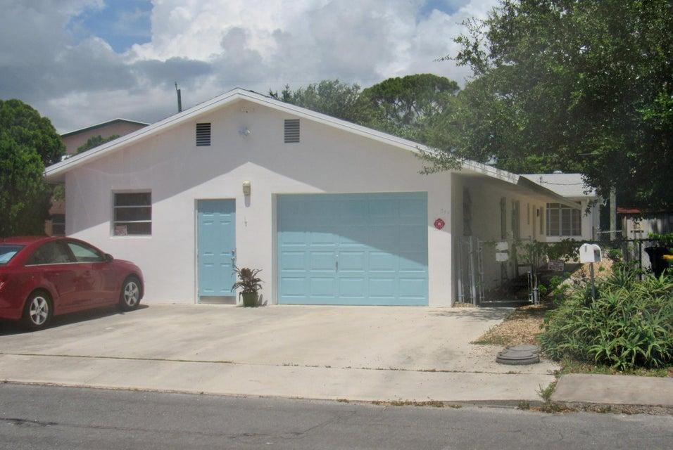 317 Ocean Breeze Street 1, Lake Worth, FL 33460