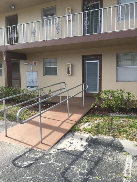 7200 NW 5th Place 105, Margate, FL 33063