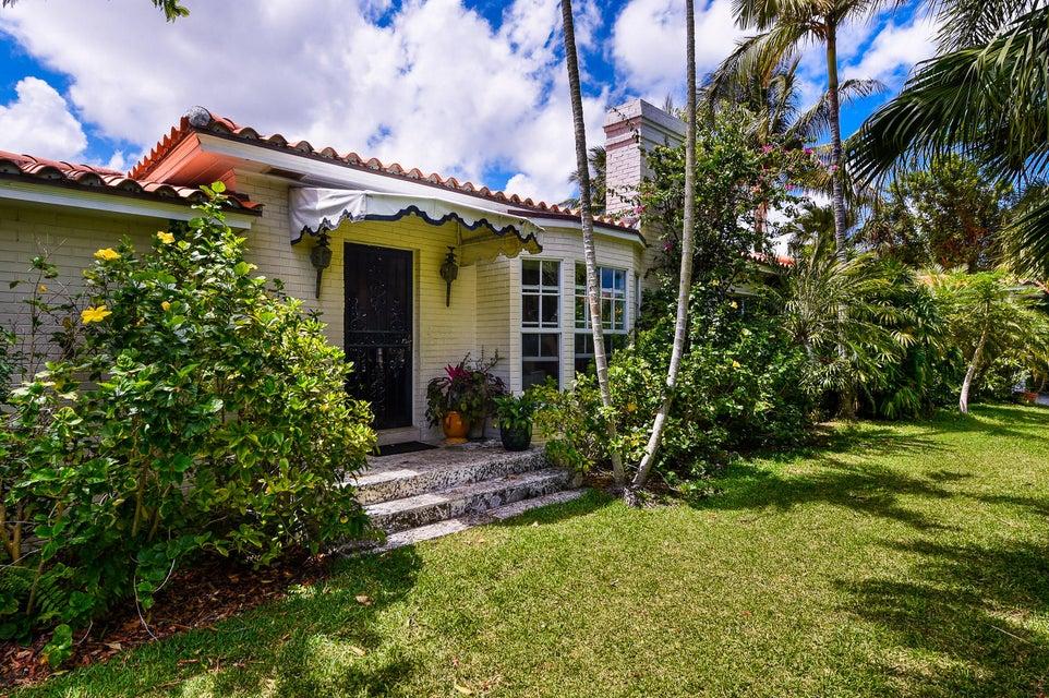 1540 N Lake Way, Palm Beach, FL 33480