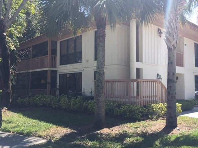 Co-op / Condo for Sale at 307 Brackenwood Circle 307 Brackenwood Circle Palm Beach Gardens, Florida 33418 United States