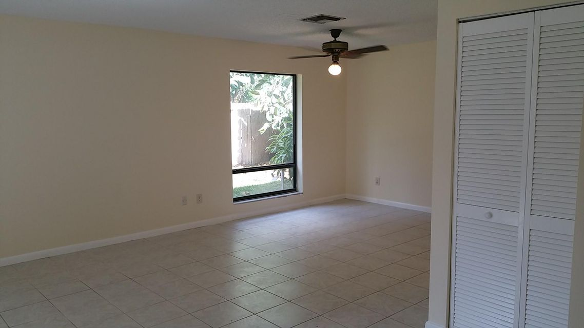 816  Sandtree Drive , Palm Beach Gardens FL 33403 is listed for sale as MLS Listing RX-10328572 photo #2