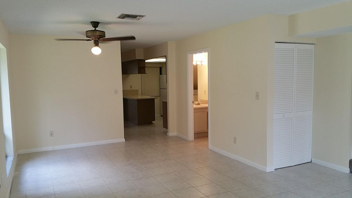 816  Sandtree Drive , Palm Beach Gardens FL 33403 is listed for sale as MLS Listing RX-10328572 photo #3