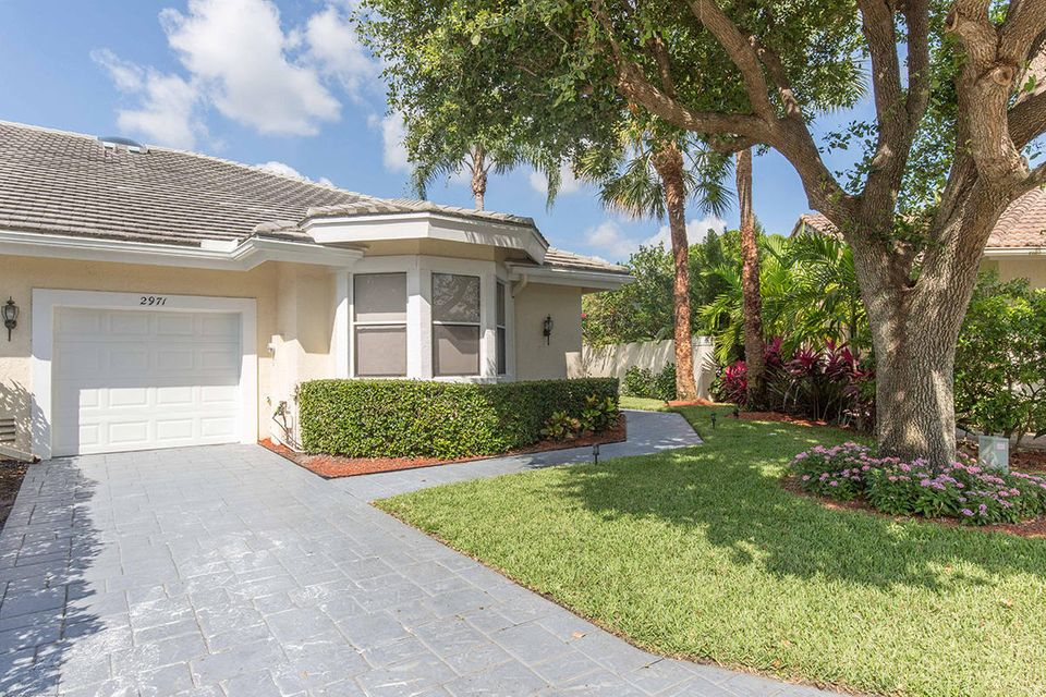 2971 Twin Oaks Way, Wellington, FL 33414