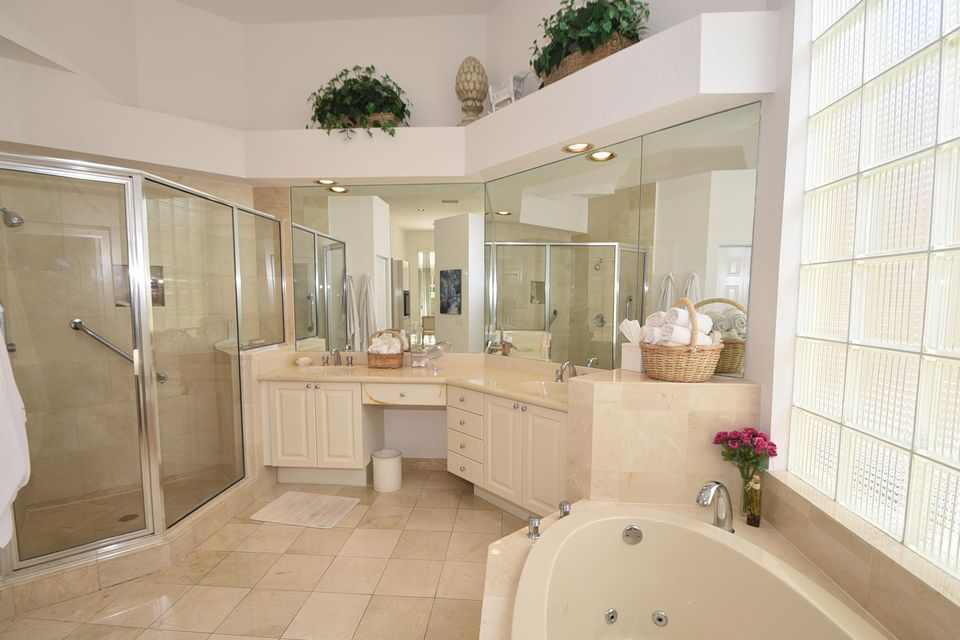Master Bathroom - 2