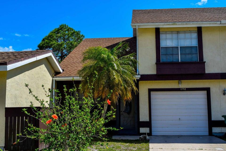 1792 SE Balmoral Court, Port Saint Lucie, FL 34952