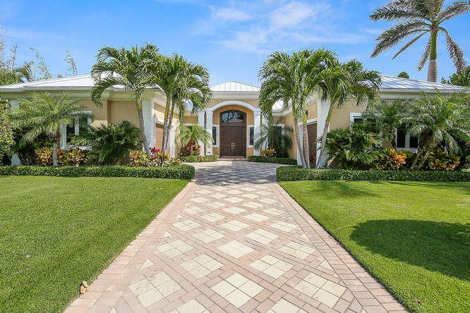 Maison unifamiliale pour l Vente à 238 Beacon Lane Jupiter Inlet Colony, Florida 33469 États-Unis