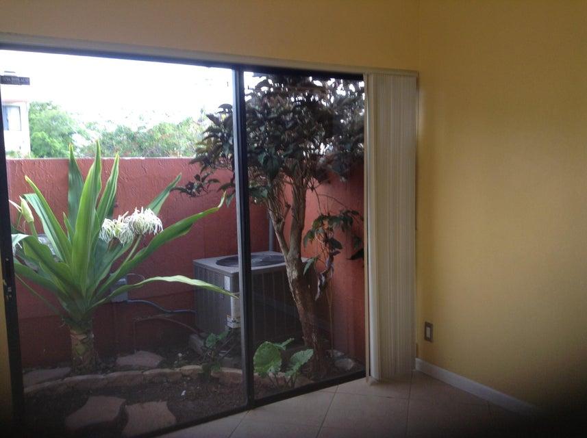 4311 SW 70 Ter Terrace, Davie, FL 33314