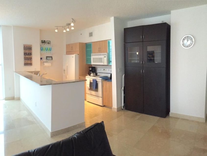 Additional photo for property listing at 17555 Atlantic Boulevard 17555 Atlantic Boulevard Sunny Isles Beach, Florida 33160 Estados Unidos