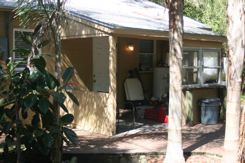 Additional photo for property listing at 3301 Avenue B 3301 Avenue B Fort Pierce, Florida 34947 Vereinigte Staaten
