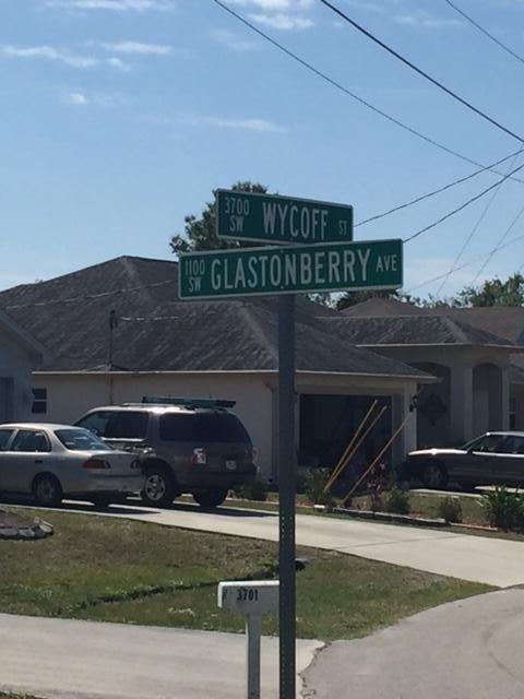 1101 Sw Glastonberry Avenue