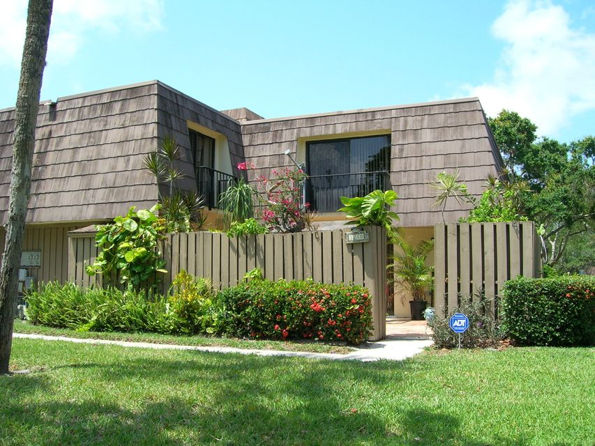 1210 12th Court , Palm Beach Gardens FL 33410 is listed for sale as MLS Listing RX-10329571 25 photos