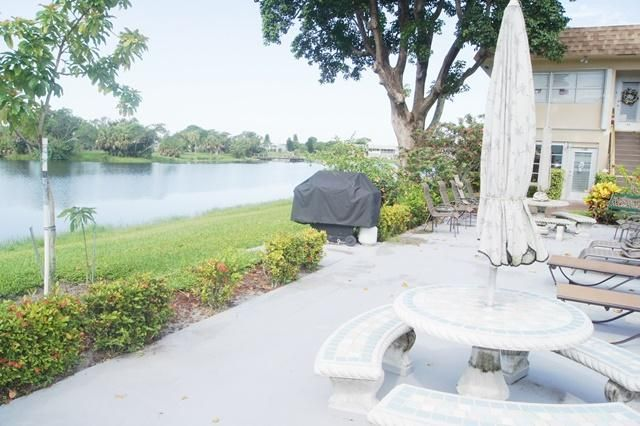 137 Stratford J  West Palm Beach, FL 33417