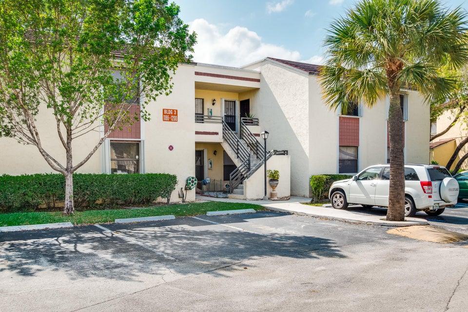 1198 N Hiatus Road 1198, Pembroke Pines, FL 33026