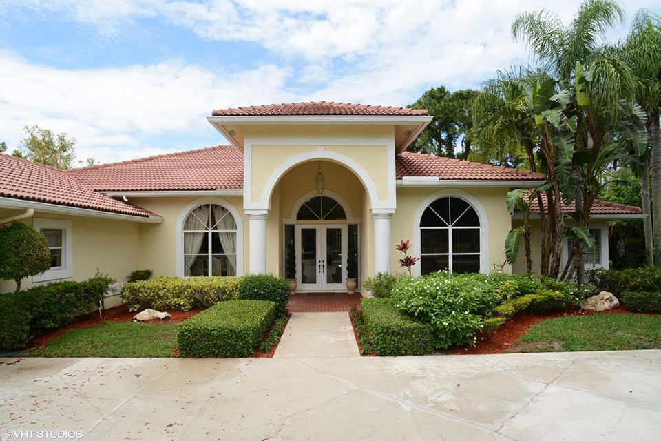 8477 Man O War Road , Palm Beach Gardens FL 33418 is listed for sale as MLS Listing RX-10329502 21 photos