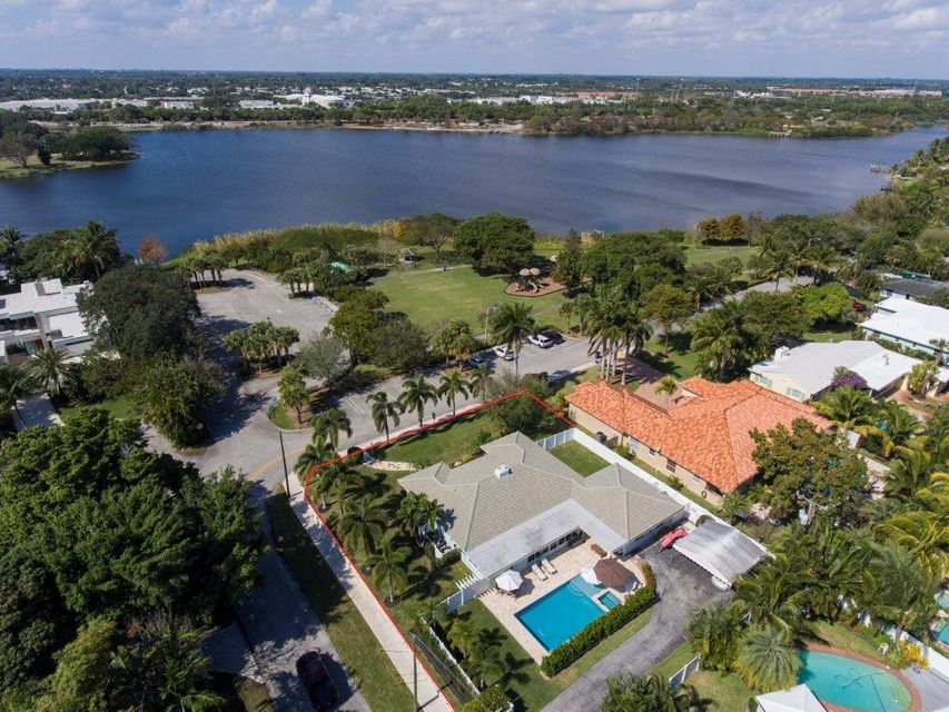 Additional photo for property listing at 1101 Lake Drive 1101 Lake Drive Delray Beach, Florida 33444 Estados Unidos